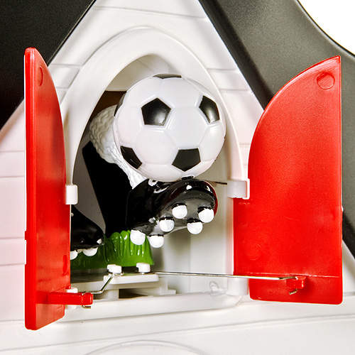 kuckucksuhr fu ball k chenuhr uhr wanduhr mit pendel kuckuksuhr kuckucksuhren ebay. Black Bedroom Furniture Sets. Home Design Ideas